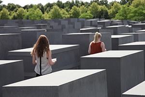 NAttens lys_Hofmo_berlin_ruth maier_Auschwitz24
